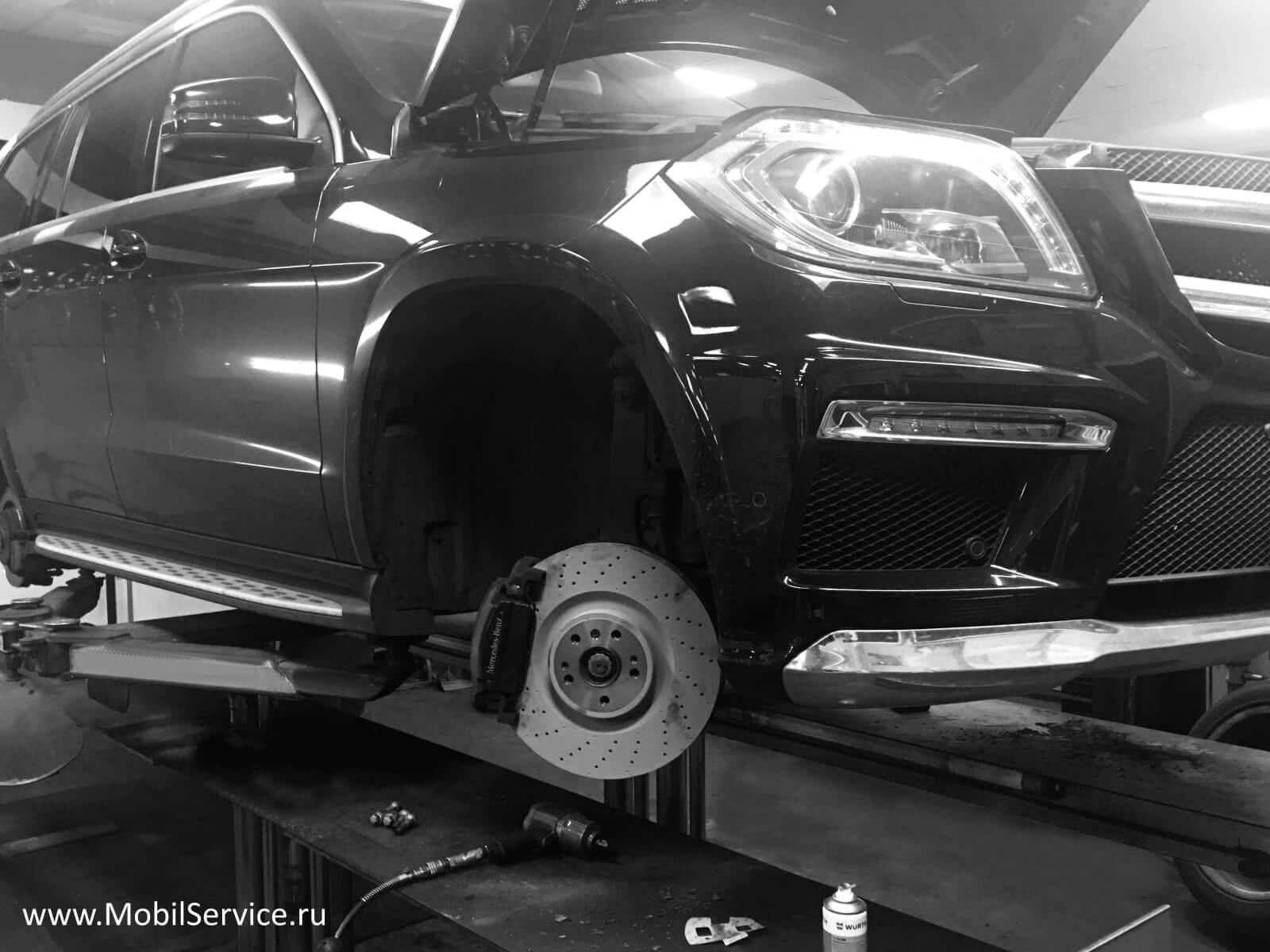 Замена передних тормозных дисков - Замена дисков переднего тормоза