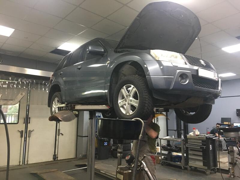 Замена масла в двигателе Сузуки в Автотехцентре Мобил Сервис